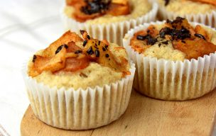 Wegańskie muffinki z jabłkami i czekoladą