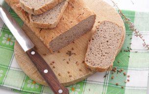 Chleb gryczany z miodem i kminkiem