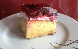 Ciasto z kremem budyniowym i galaretką